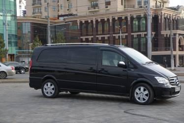Mercedes Viano 2